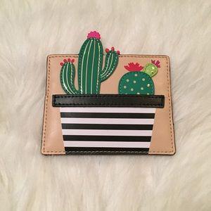 Kate Spade New Horizons cactus cardholder 🌵